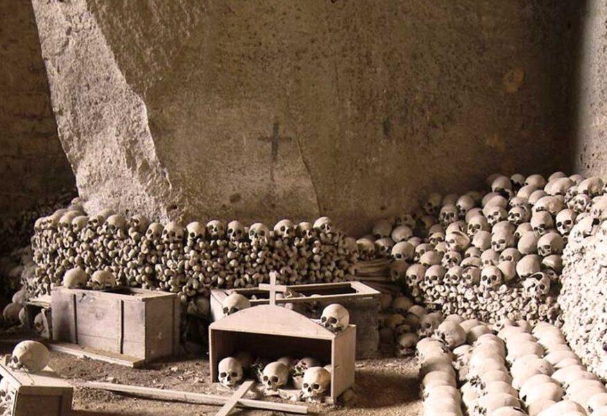 cimitero-delle-fontanelle-visite-guidate