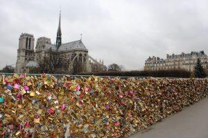 lucchetti-amore-parigi-fiume-senna