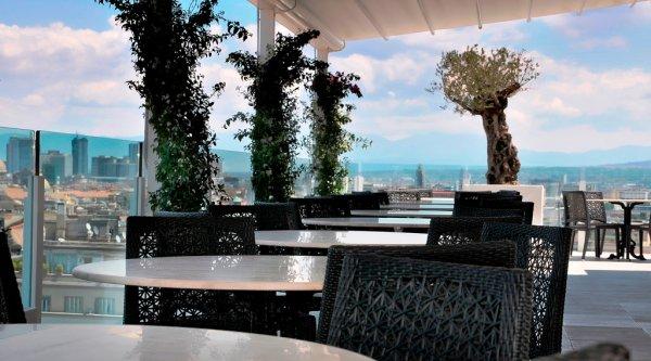 Napoli a 360°: la terrazza del Grand Hotel Oriente