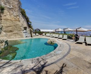 Hotel-San-Francesco-al-Monte-la-piscina-esterna