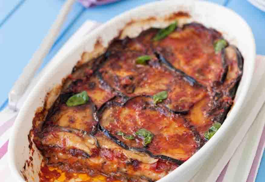 Popolare La Parmigiana di Melanzane, la ricetta dello chef Cannavacciuolo YT17