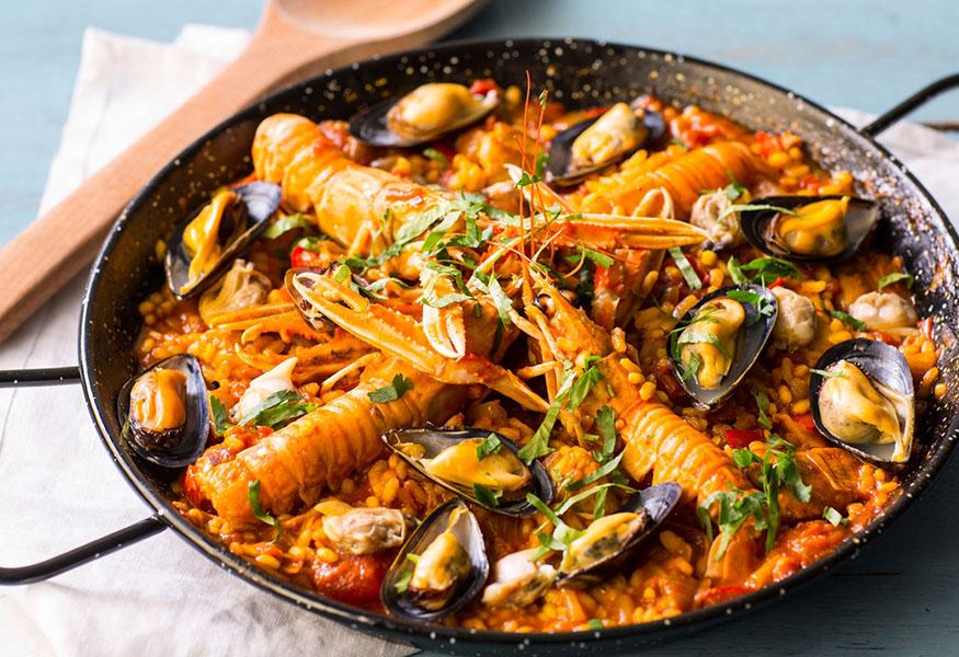 La Credenza In Spagnolo : Ibericou201d: apre a napoli il ristorante spagnolo con un soffio di