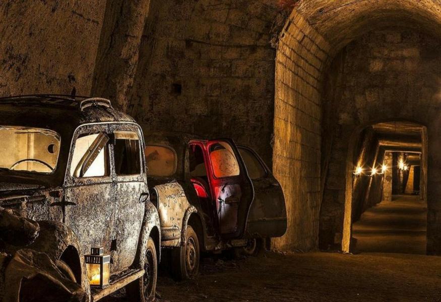 Galleria borbonica il primo sito storico sotterraneo al for Sito storico