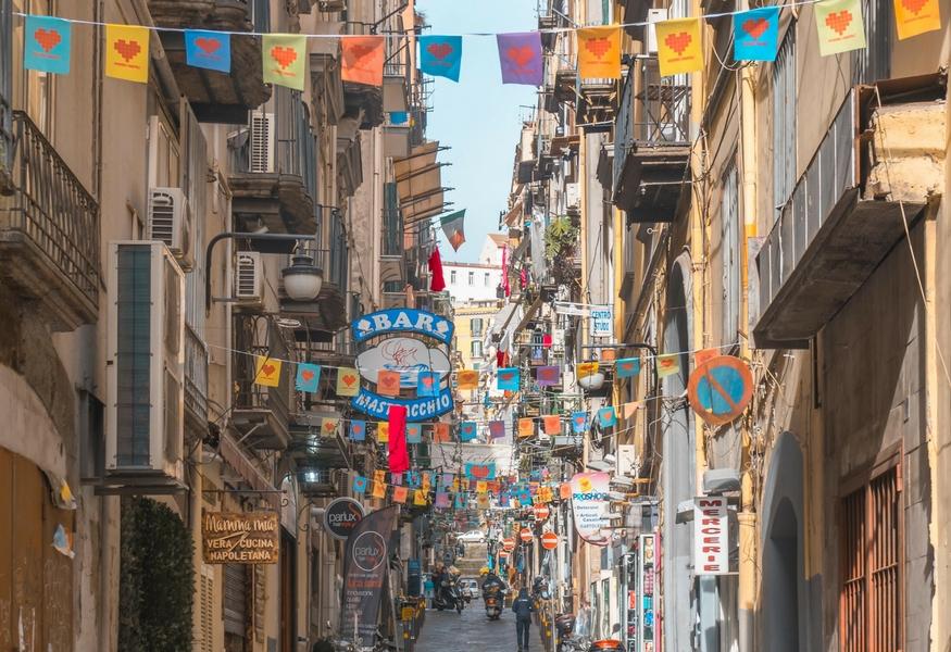 Credenza Da Cucina In Spagnolo : Cuoredinapoli ai quartieri spagnoli